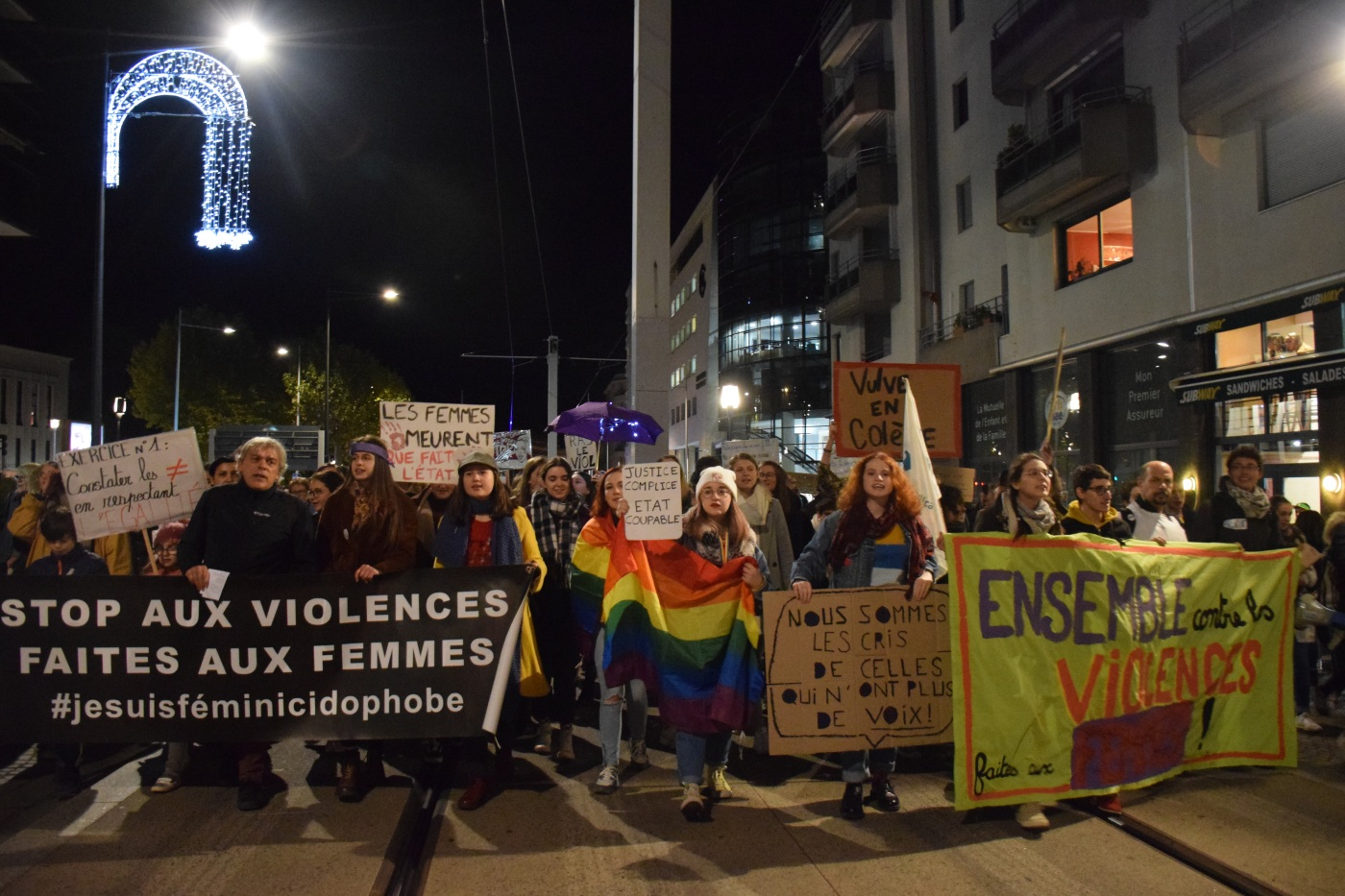 marche contre les violences faites aux femmes à Clermont